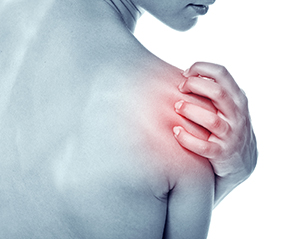 chronic shoulder pain on woman